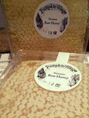 Raw Honeycomb Pumpkin Village 12 oz